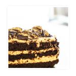 ciasto tiramisu – delikatny , jasny biszkopt nasączony kawą i ponczem.